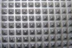 Nagypiramis mintás gumiszőnyeg